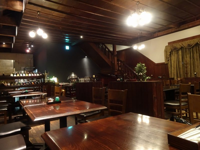 cafe色内食堂の店内