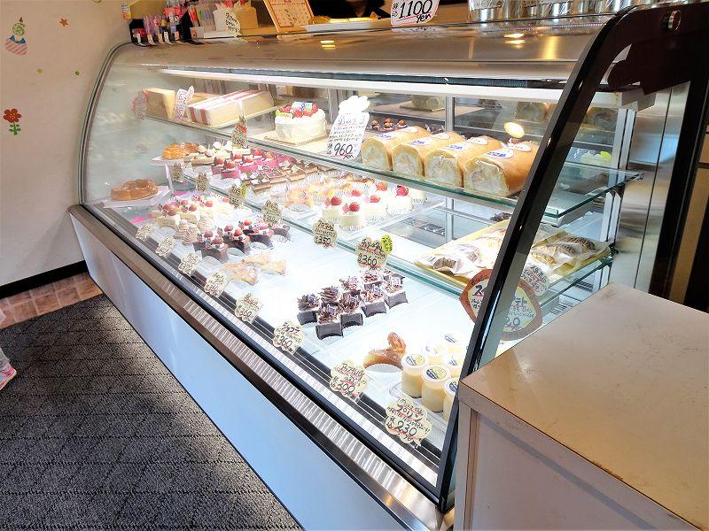 POROSIENNE(ポロジェンヌ)/北海道札幌市手稲区 ケーキのショーケース