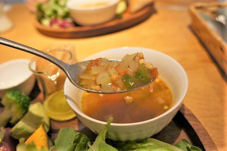 City Boy(シティボーイ)/札幌市中心部 この日のスープはトマトベースの具だくさんスープ