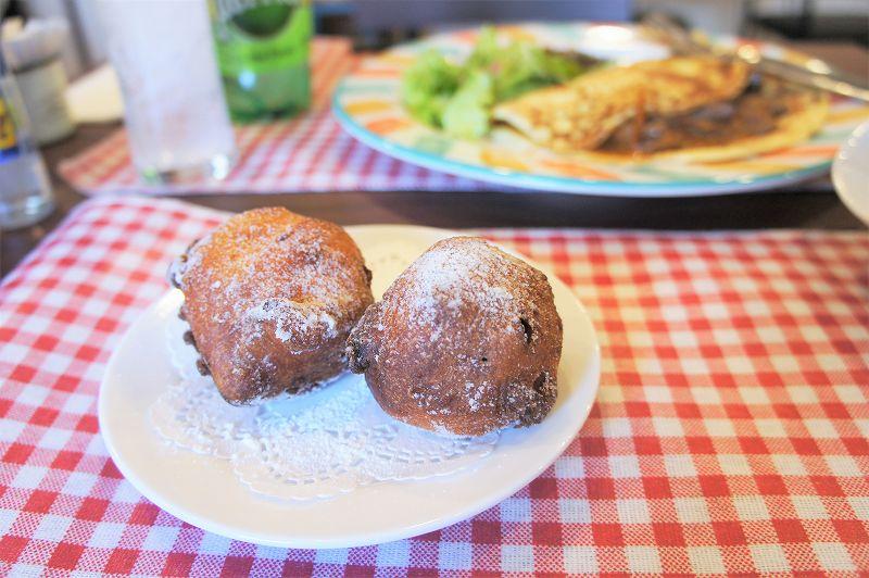 オランダ家庭料理のお店 STAMPPOT(スタンポット)/札幌市 オランダ人が11月頃~大晦日まで限定で食べる 揚げドーナツ