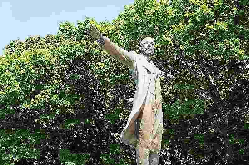 羊ヶ丘展望台のクラーク像