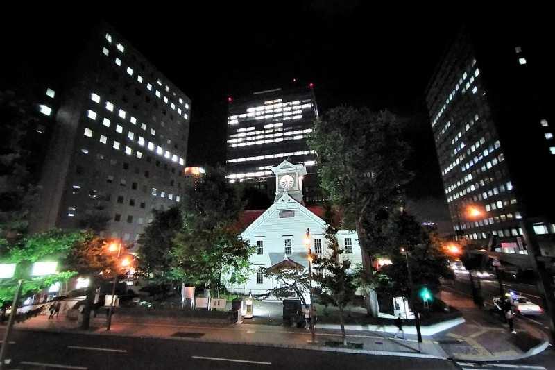夜の札幌市時計台