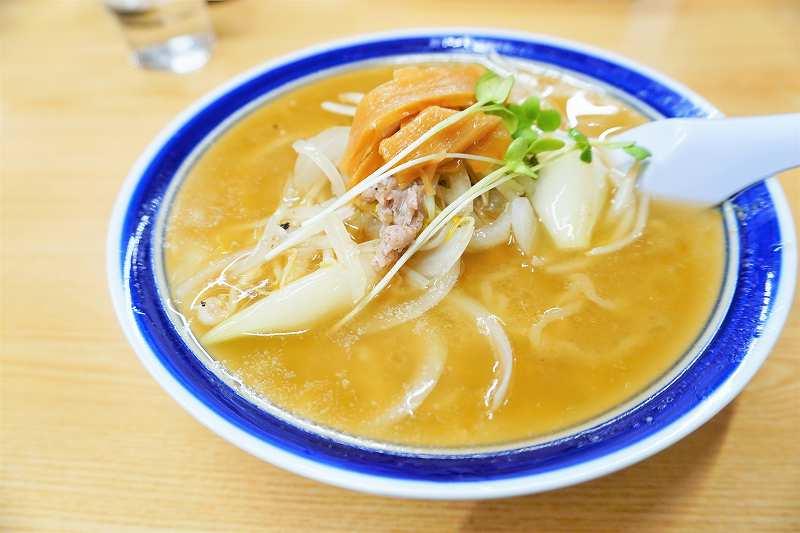 1番人気メニュー「味噌ラーメン(900円)」