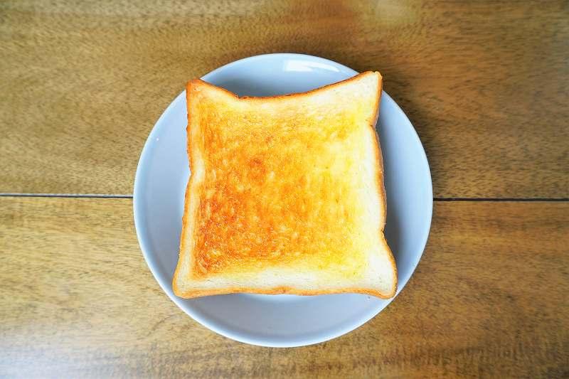 """翌日はバターを塗った """"トースト"""" で"""