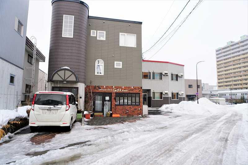 「日本キリスト教会 札幌豊平教会」のちょうど裏手