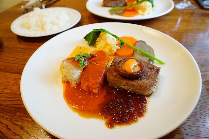 メインの一皿 この日は魚料理が2種、肉料理が1種