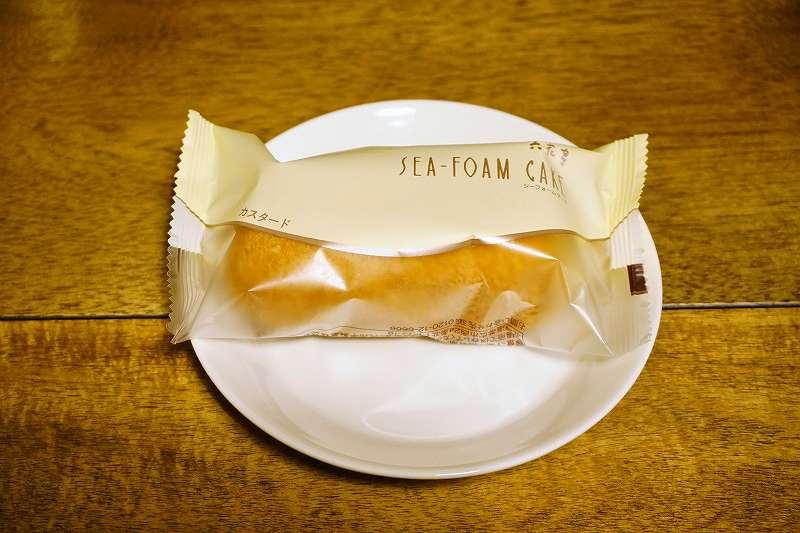 六花亭のSEA-FORM CAKE(シーフォームケーキ)カスタードの外装