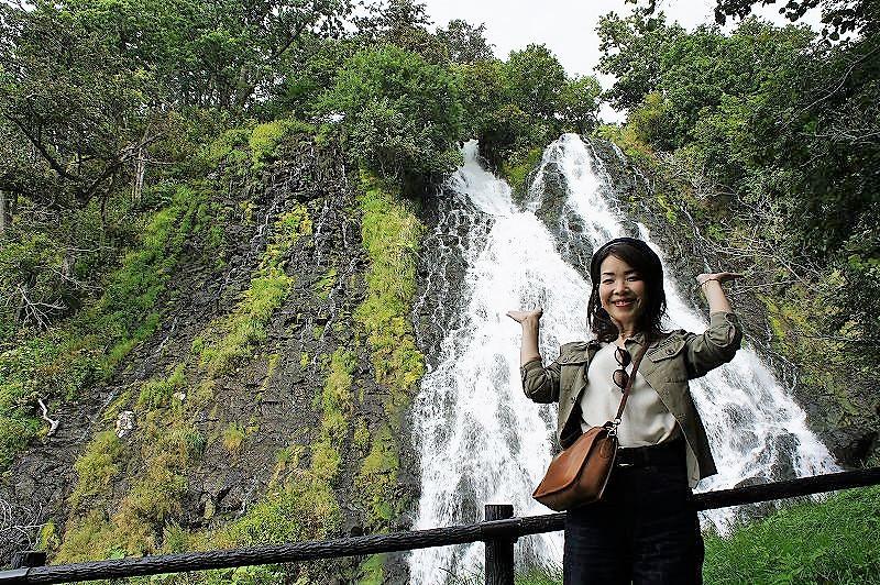 滝の前で記念撮影!ステキな写真を撮ってみましょう
