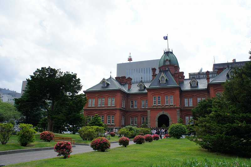 赤れんが庁舎の重厚な外観