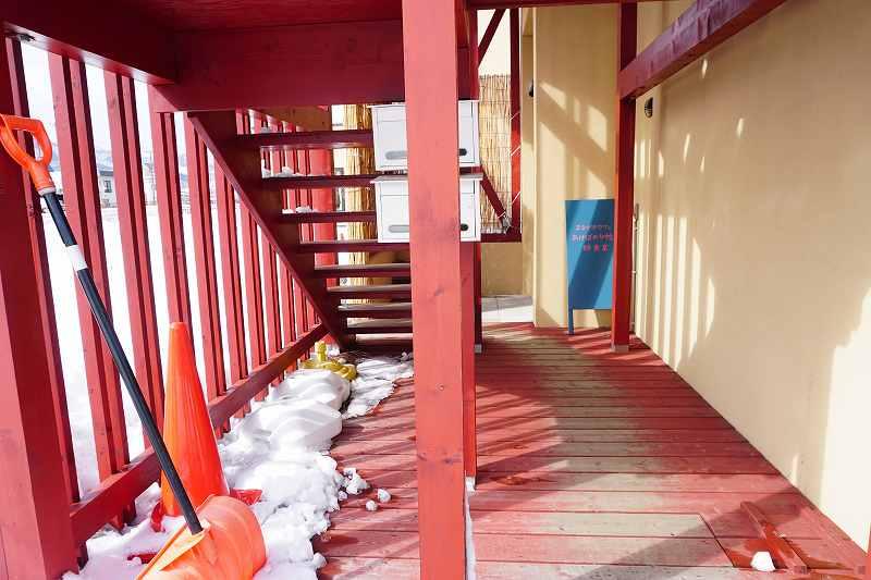 建物裏にある階段