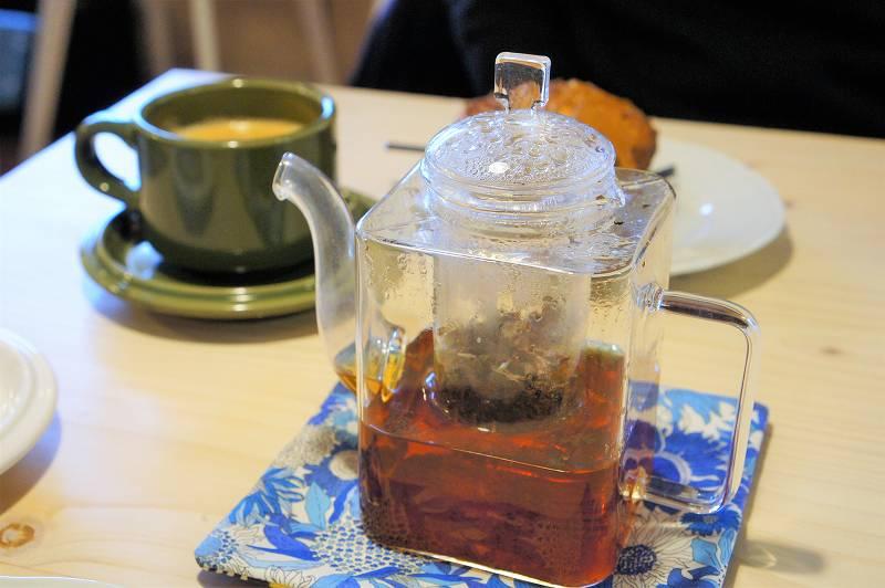 CAFE&BAKE Prunier(プルニエ)のハイセンスなスクエア型のティーポット