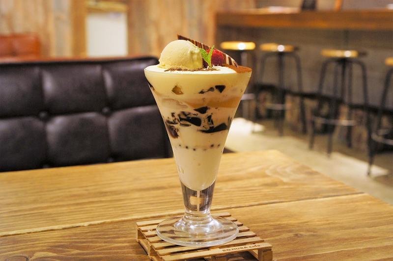 ROJIURA Café(ロジウラカフェ)のコーヒーパフェ