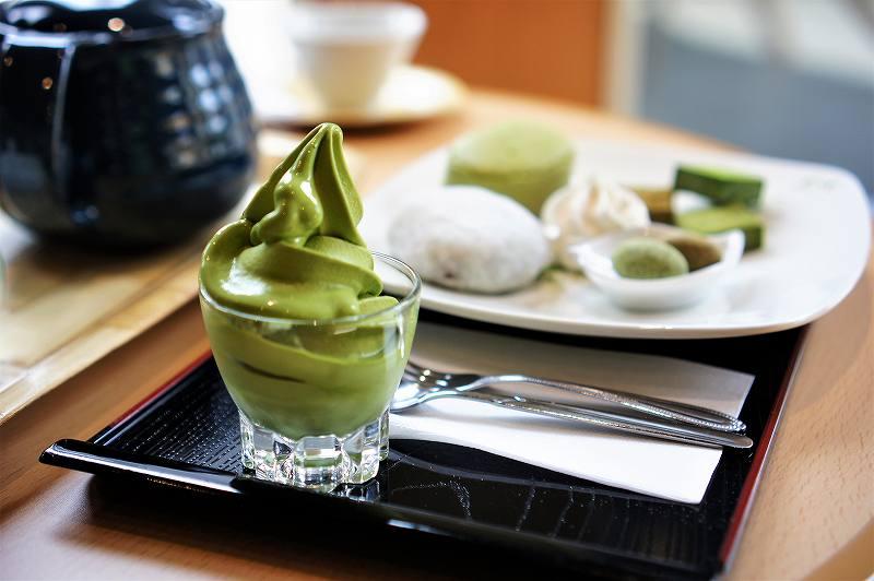 宇治園札幌直営店の濃厚抹茶ソフト
