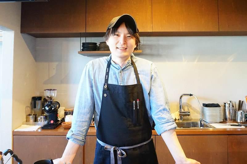 ZENIBAKO coffee(銭函珈琲)の店長 細川 達哉さん