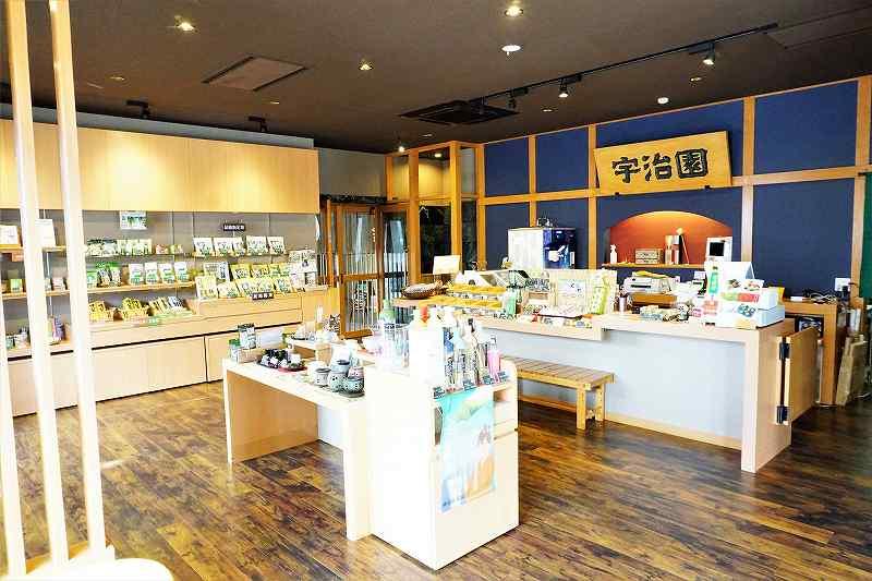宇治園札幌直営店ではお茶の販売も行っています