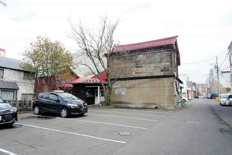 レストランのやの駐車場の一部