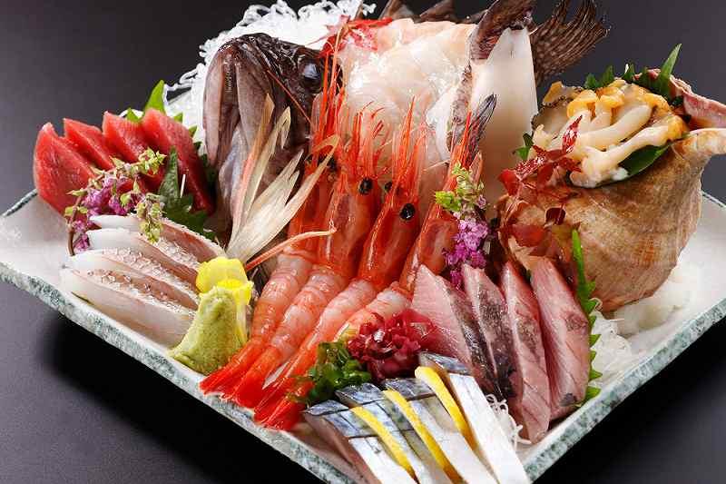 マグロ・甘えび・ウニ・イクラなどの、札幌で食べられる海鮮