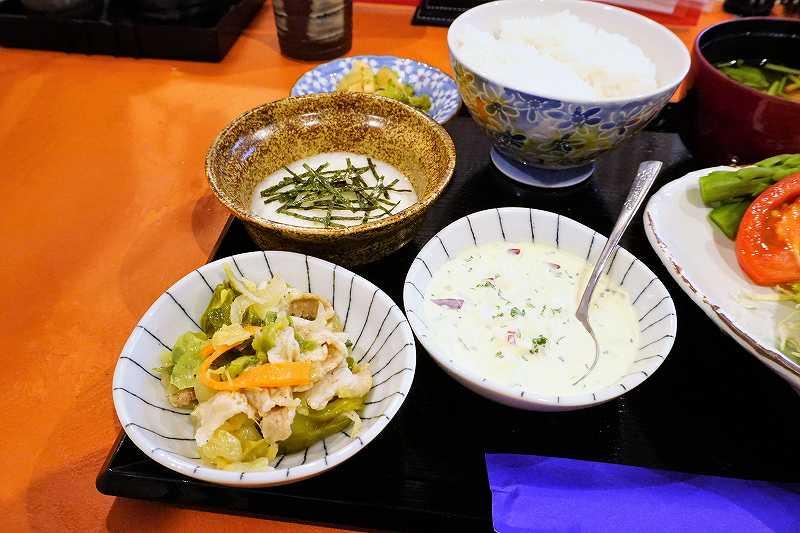 自家製タルタルソースと野菜の煮つけ