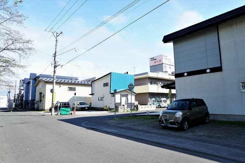 共栄福祉会館前にある タムラ倉庫 の駐車場