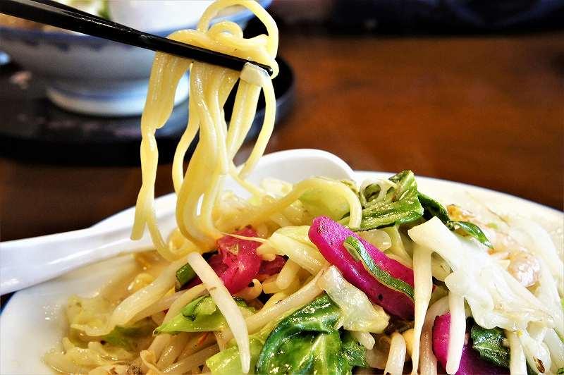 ちゃんぽん一鶴のモチモチの太麺