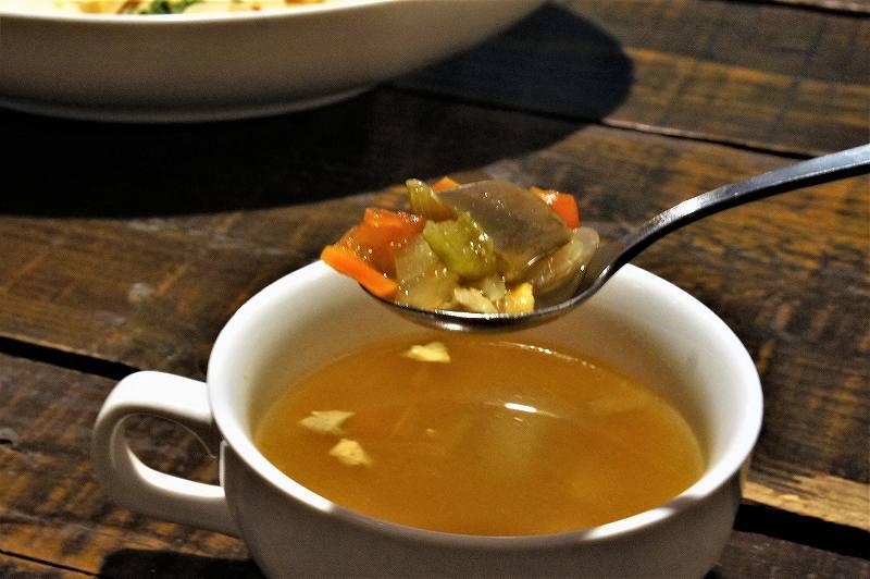 タムラ倉庫 のスープも野菜がたっぷり
