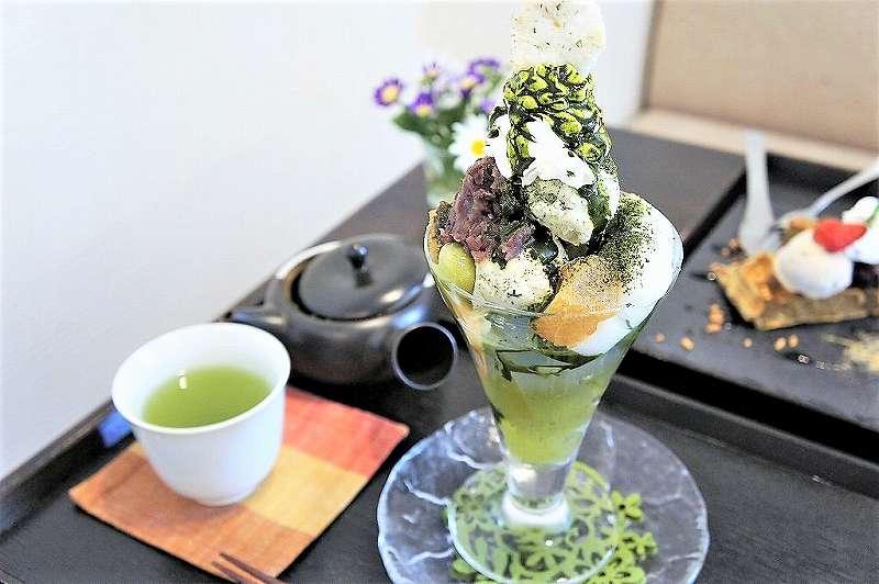 「日本茶カフェ茶楽逢(サライ)」の期間限定パフェ