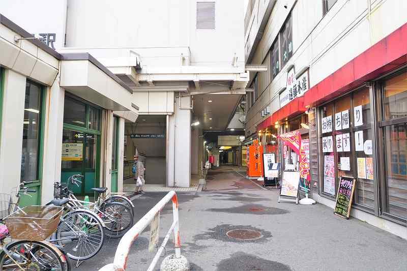札幌市営地下鉄 新さっぽろ駅の5番出口と遠藤水産の間の通路