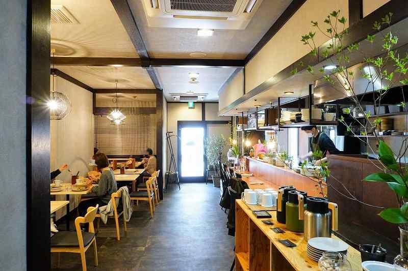 ワイン食堂Yamaの店内全貌