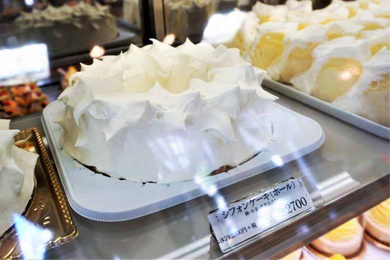 くるみや の シフォンケーキ(ホール) 2700円