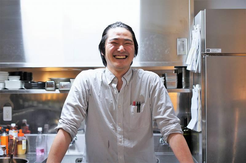 「地下バル Cheers(チアーズ)」の料理長 齋藤 大雅(ひろまさ)さん