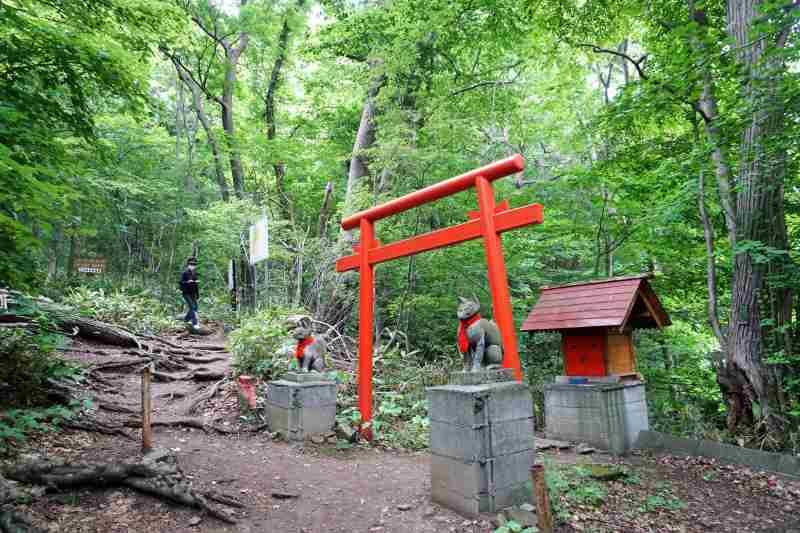 八十八ヶ所ルートの稲荷神社