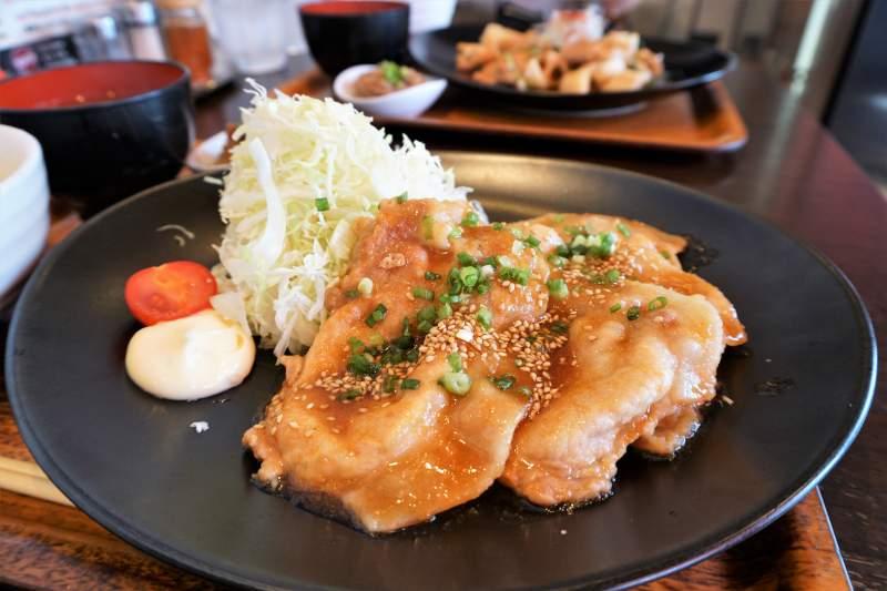 ひこま豚食堂&精肉店の「究極の生姜焼き定食」