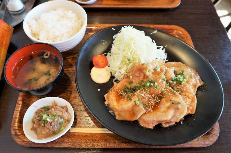 「ひこま豚」の生姜焼き定食
