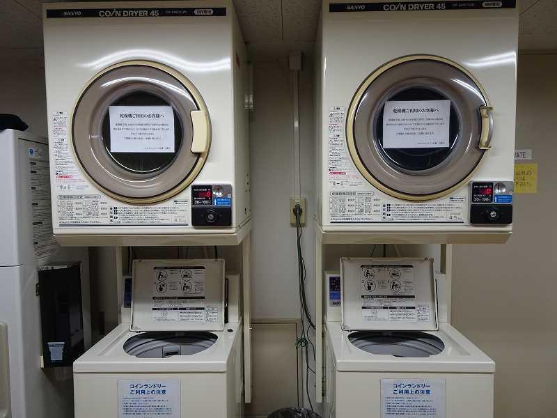 ランドリーコーナーの洗濯機のようす