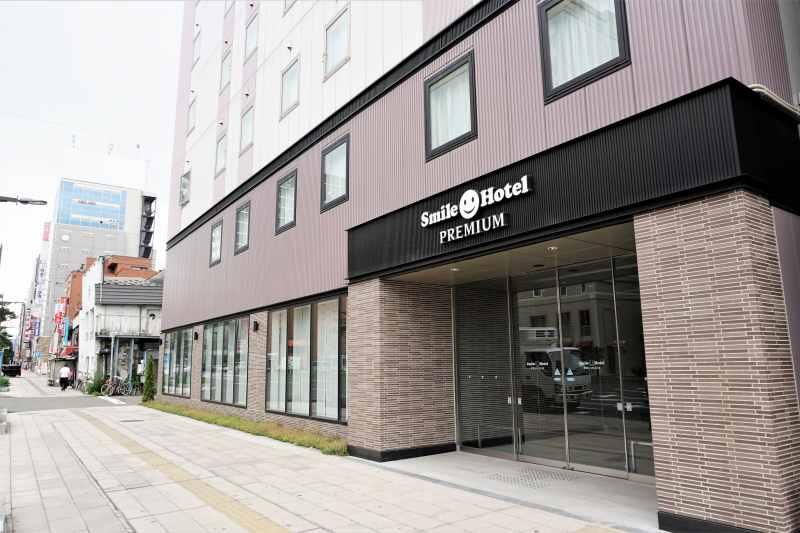 スマイルホテルプレミアム札幌すすきのの入口