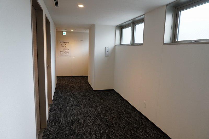 スマイルホテルプレミアム札幌すすきのの共用廊下