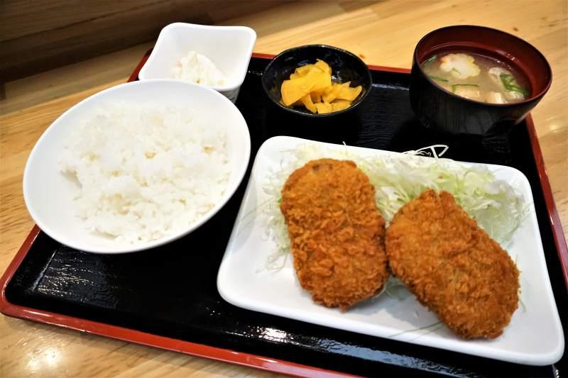 串鳥三番街店のコロッケ定食
