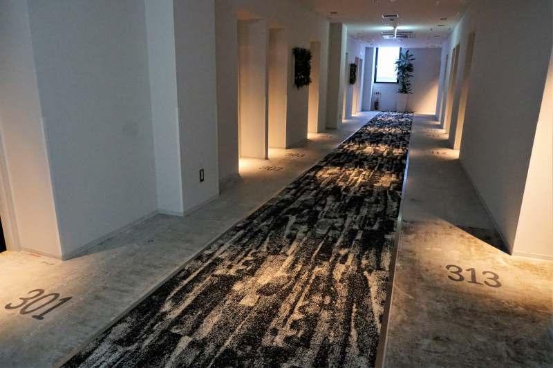 ホテルポットマムの3階廊下