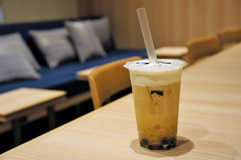 ウォルトで注文した「RIQ 抹茶CAFE&SWEETS」のミルクティー