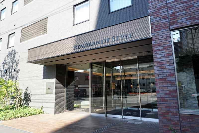 レンブラントスタイル札幌の入口