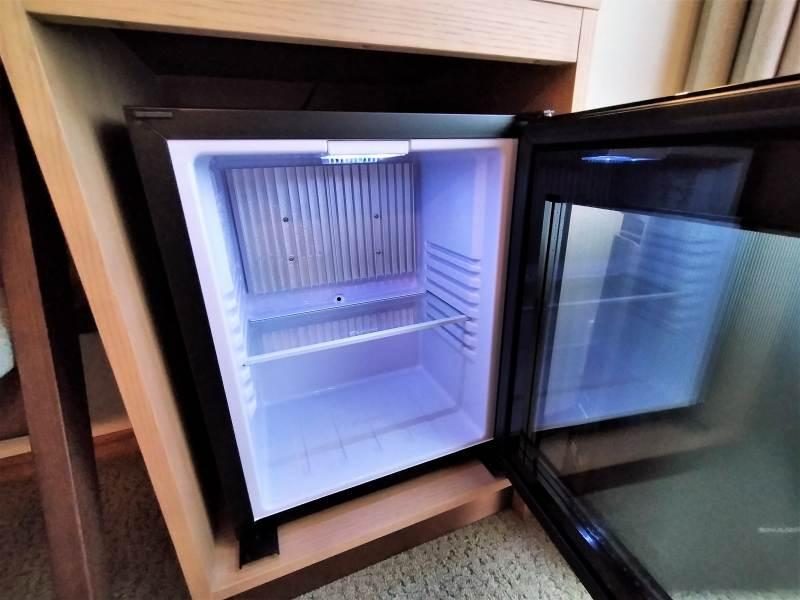 ザノット札幌のスタンダードツインルームの冷蔵庫