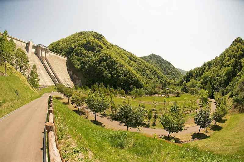 定山渓ダム園地の全景