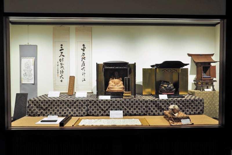 定山寺宝物殿の内部