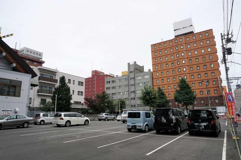 プレミアホテルキャビン札幌の屋外駐車場