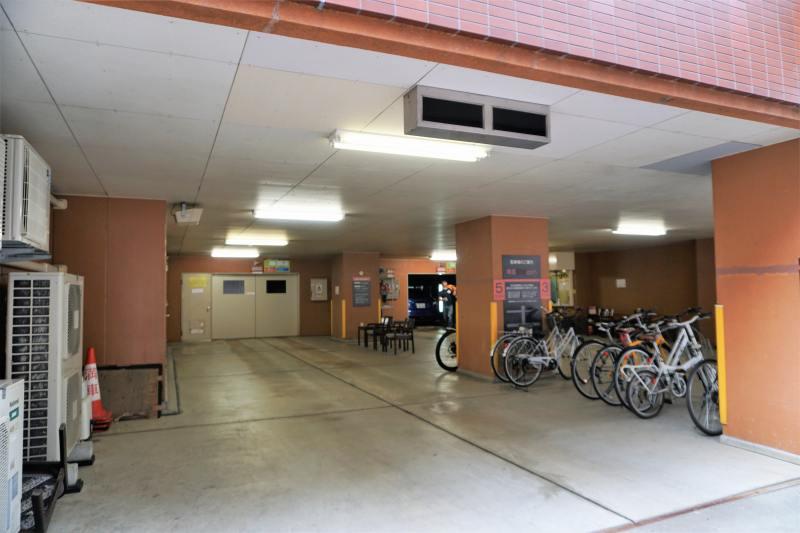 プレミアホテルキャビン札幌の立体駐車場入口