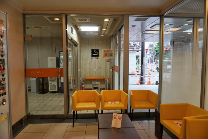 「プレミアホテルキャビン札幌」の休憩スペース