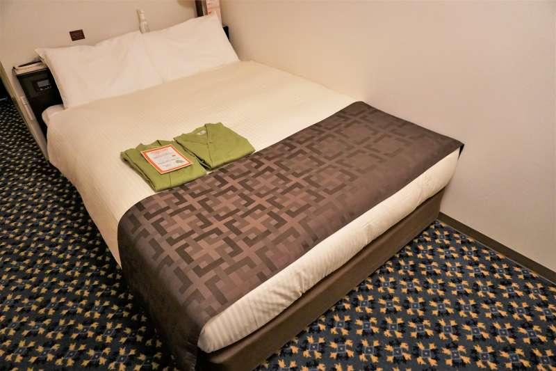 「プレミアホテルキャビン札幌」の客室ベッド