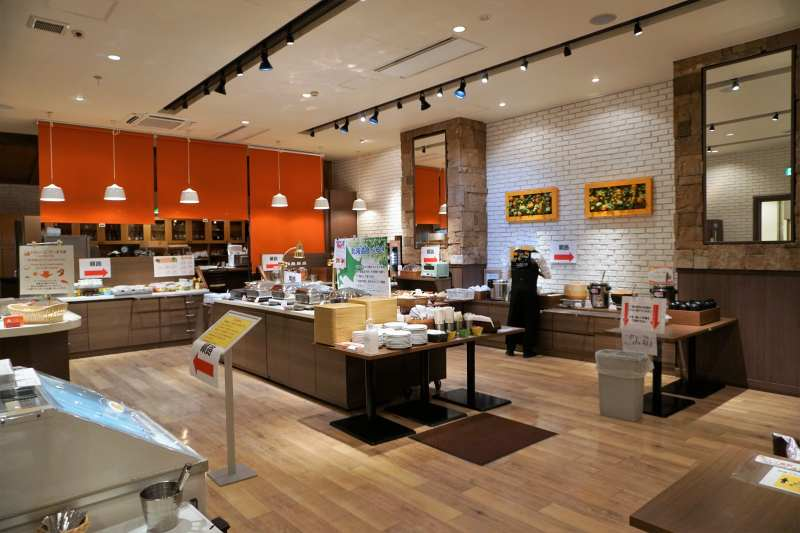 「プレミアホテルキャビン札幌」の朝食ビュッフェ会場