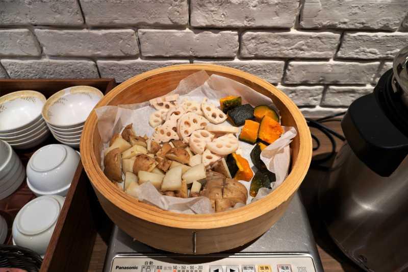 朝食ビュッフェの野菜