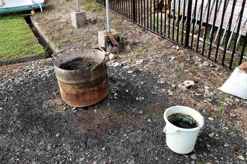 「北村中央公園ふれあい広場」の炭捨て場